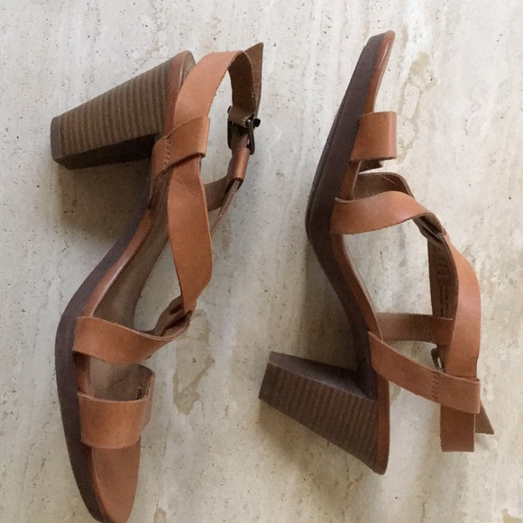 d108fa4c47df Clarks Shoes - Clark s Jaelyn Fog strappy sandals size 10W